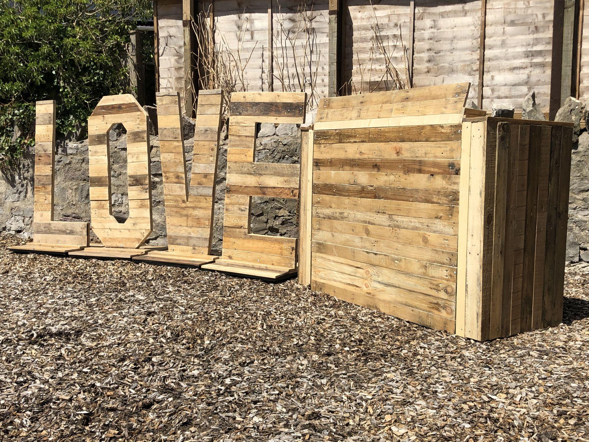 Rustic LOVE & DJ Booth