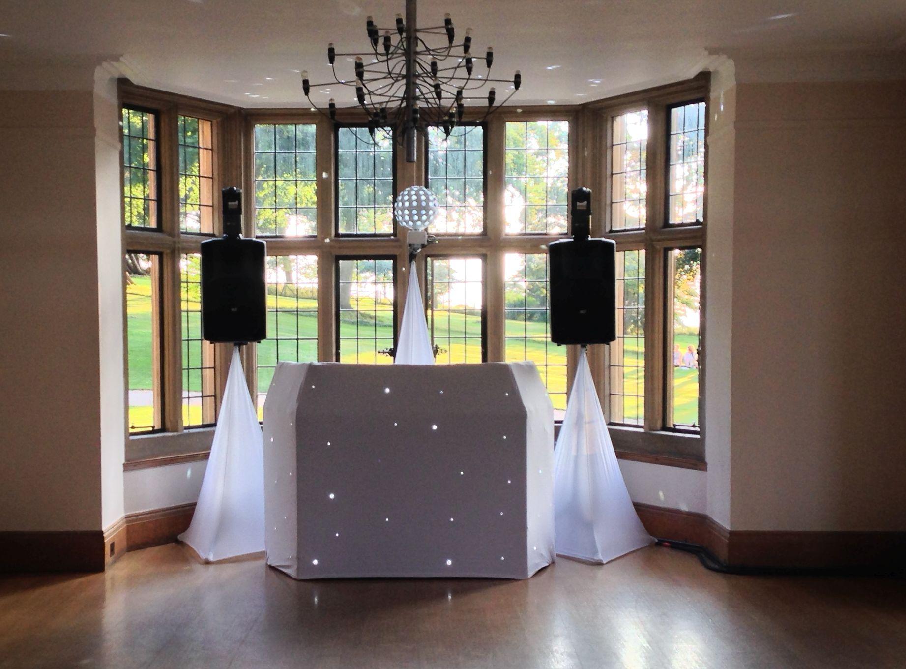 The Wedding Players. Kingscote Barn